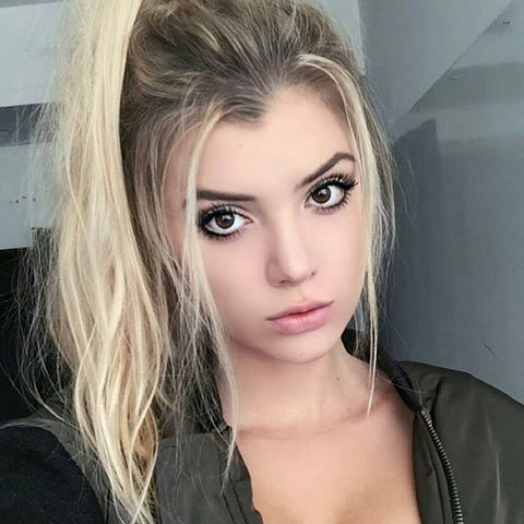 Alissa Violet Profile | Contact Details (Phone number, Instagram, Twitter, Facebook) - Contact Celeb